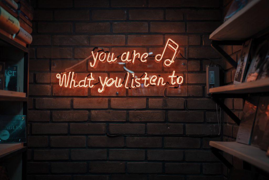 social media listening postfity